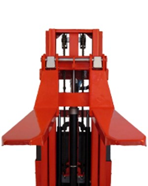 Different fork styles for carrying and lifting different pallets